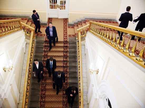 До конца года Путин обещал уволить десяток губернаторов