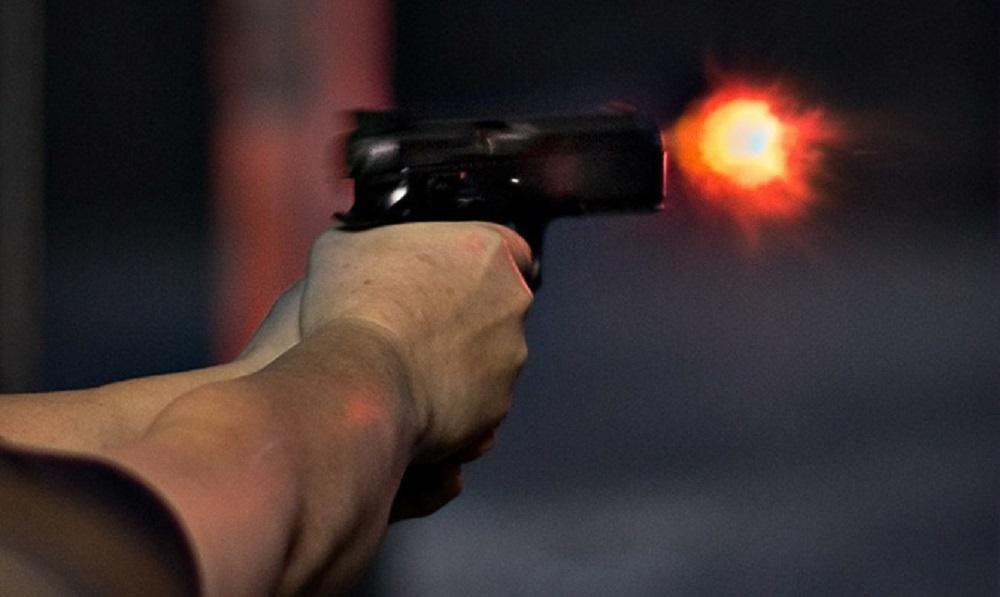 Полиция задержала москвича, открывшего стрельбу по пассажирам автомобиля на АЗС